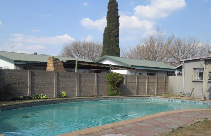 Property For Sale in Bonaero Park, Kempton Park 10