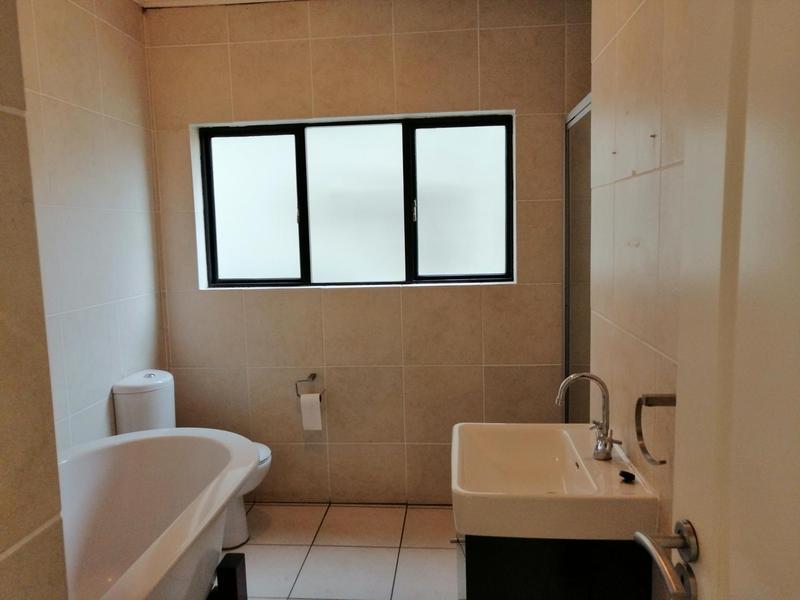 Property For Rent in Solheim, Germiston 6
