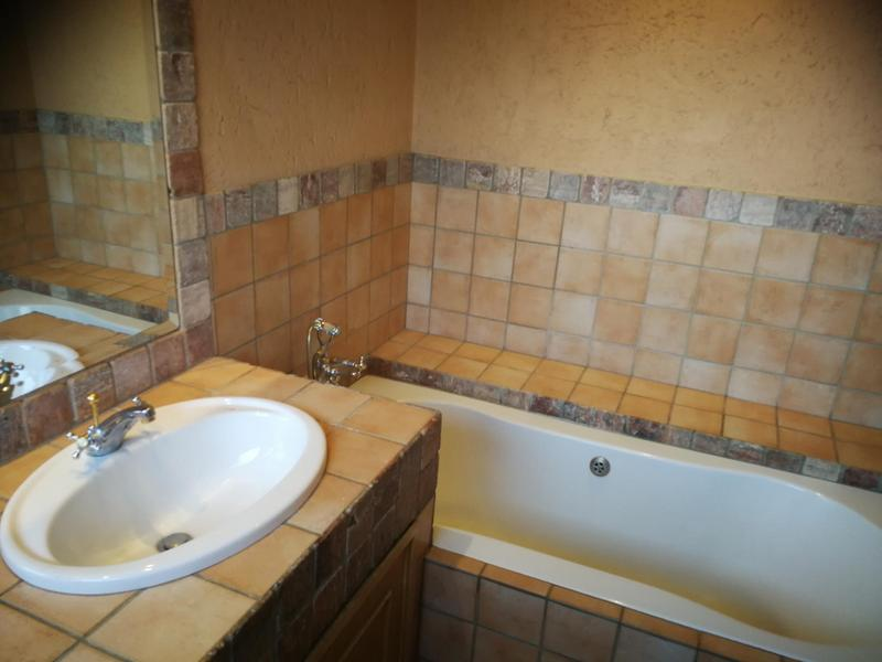 Property For Sale in Kensington, Johannesburg 11