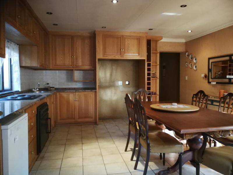 Property For Sale in Kensington, Johannesburg 12