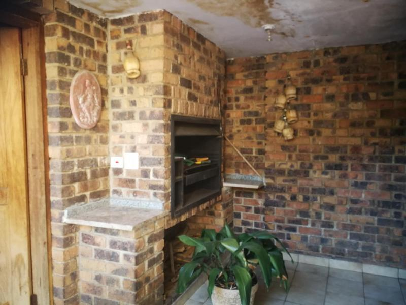 Property For Sale in Kensington, Johannesburg 13