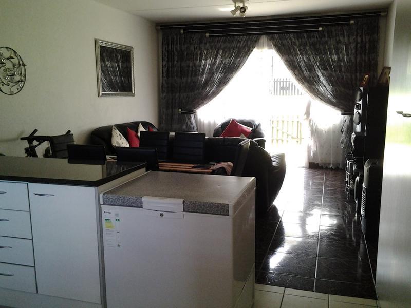 Property For Sale in Rembrandt Park, Johannesburg 10