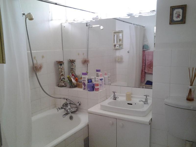 Property For Sale in Glenhazel, Johannesburg 9
