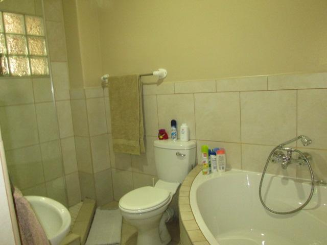 Property For Sale in Dunvegan, Edenvale 15