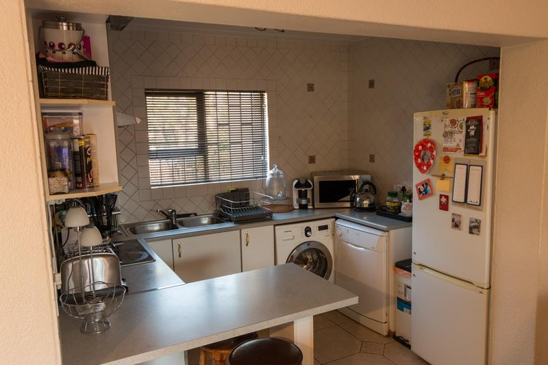Property For Sale in Dowerglen Ext 4, Edenvale 8