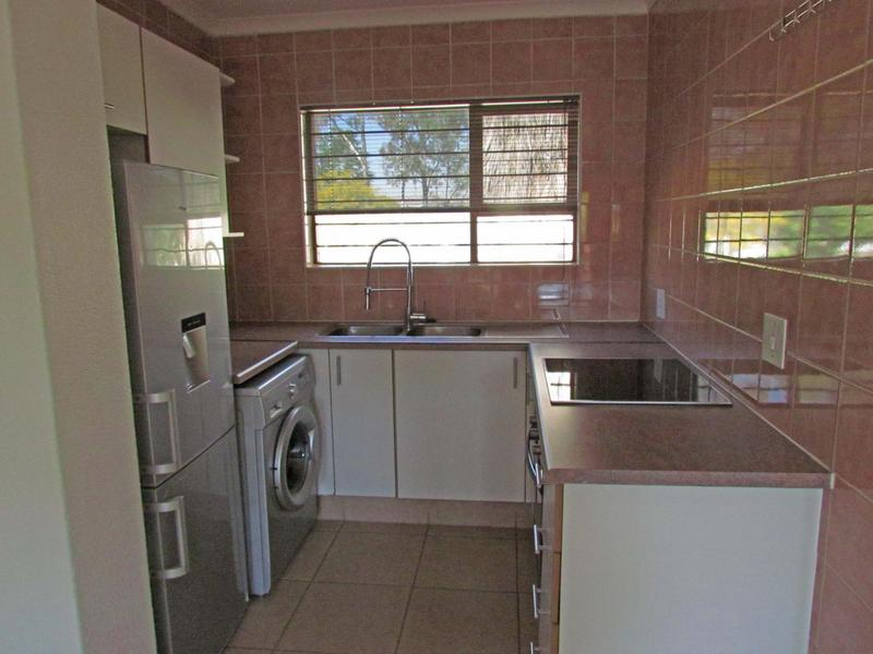 Property For Rent in Dowerglen Ext 4, Edenvale 3