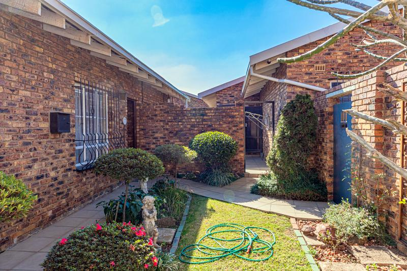 Property For Sale in Elmapark, Edenvale 3