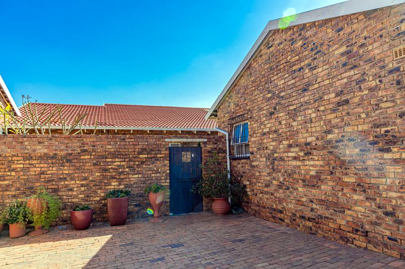 Property For Sale in Elmapark, Edenvale 5