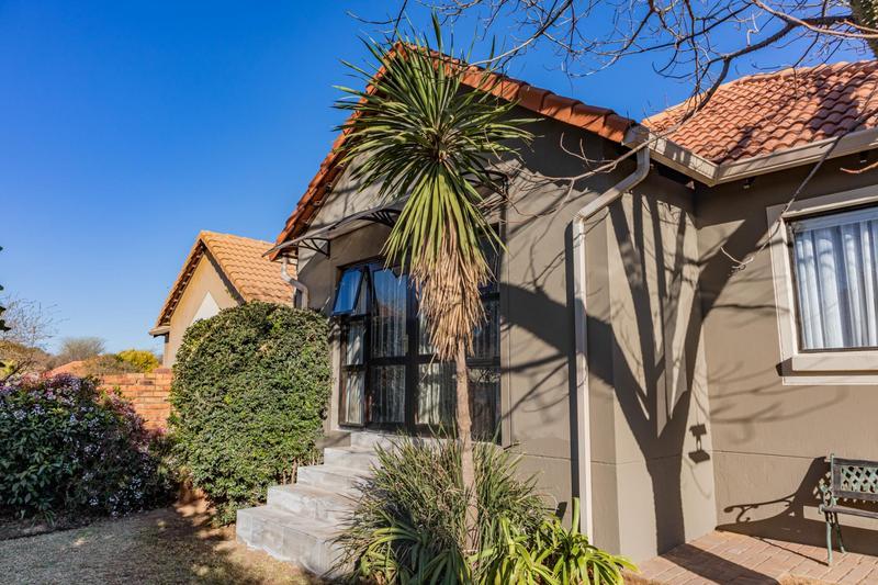Property For Sale in Greenstone Hill, Edenvale 23