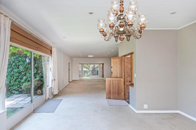 Property For Rent in Bedford Gardens, Bedfordview 4