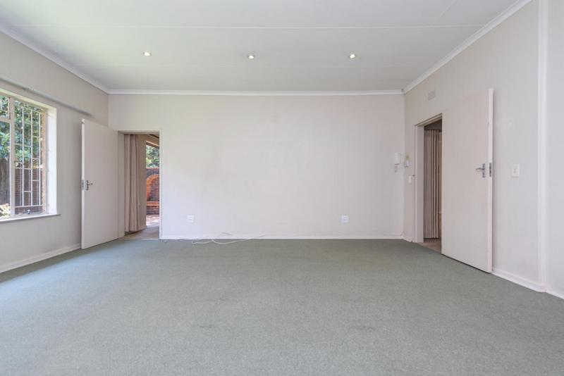 Property For Rent in Bedford Gardens, Bedfordview 10