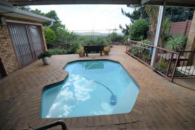 Property For Sale in Dawnview, Germiston