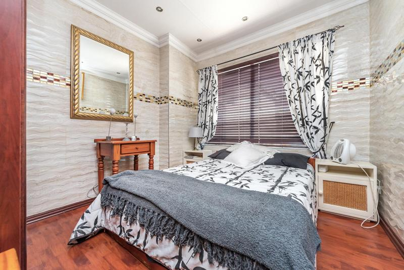 Property For Sale in Bedford Gardens, Bedfordview 11