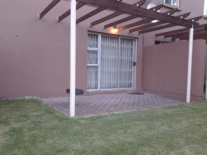 Property For Rent in Greenstone Hill, Edenvale 6