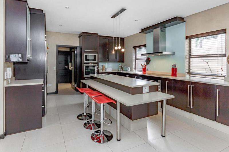 Property For Sale in Senderwood, Bedfordview 9