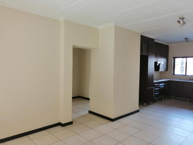Complex For Rent in Solheim, Germiston
