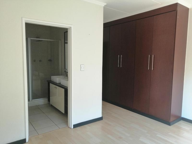 Property For Rent in Solheim, Germiston 4