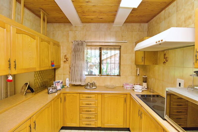 Townhouse For Sale in Morninghill, Bedfordview