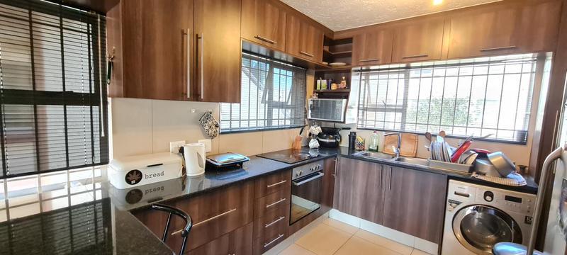 Property For Sale in Bedfordview, Bedfordview 7