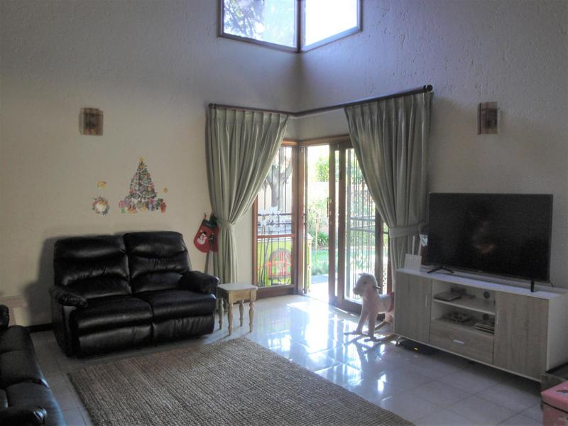 Property For Sale in Bedfordview, Bedfordview 4