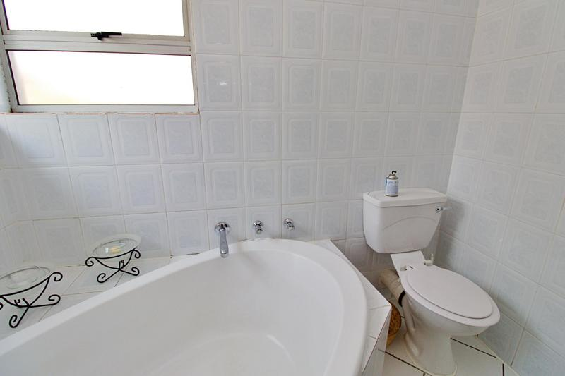Townhouse For Sale in Bedfordview, Bedfordview