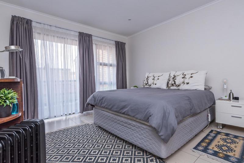 Duplex For Sale in Bedfordview, Bedfordview